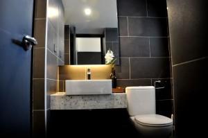 tropics 8 washroom jpg