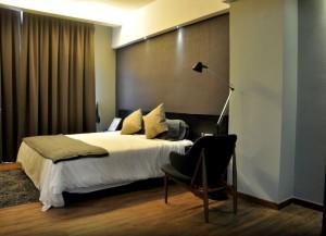 tropics 8 bedroom
